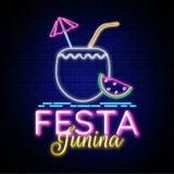 Διαφημιστικό σχέδιο αφισών ή ιπτάμενων, κείμενο Festa Junina επίδρασης νέου διανυσματική απεικόνιση