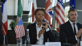 Διαφορετικά μέλη του διεθνούς χτυπήματος συνόδου κορυφής φιλμ μικρού μήκους
