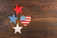 Διαφορετικά μπισκότα με τα αμερικανικά πατριωτικά χρώματα Στοκ Φωτογραφία