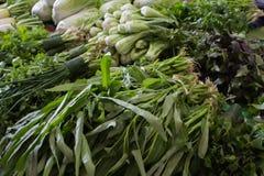 Διαφορετικά οικολογικά λαχανικά στην αγορά στοκ εικόνες με δικαίωμα ελεύθερης χρήσης