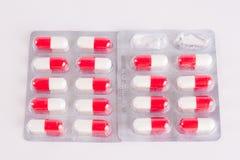 διαφορετικά φάρμακα Ταμπλέτες, χάπια στο πακέτο φουσκαλών φάρμακα Στοκ Φωτογραφίες