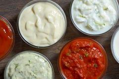 Διαφορετικές σάλτσες για το γρήγορο φαγητό Στοκ Φωτογραφία