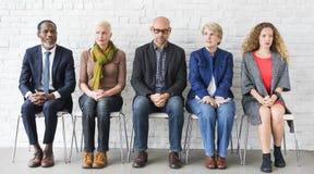 Διαφορετική περιμένοντας έννοια συνεδρίασης ομάδας ανθρώπων κοινοτική Στοκ φωτογραφία με δικαίωμα ελεύθερης χρήσης