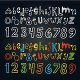Διαφορετικοί αλφάβητο και αριθμοί χρώματος doodle διανυσματική απεικόνιση