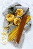 διαφορετικοί ιταλικοί τύποι ζυμαρικών στοκ εικόνες με δικαίωμα ελεύθερης χρήσης