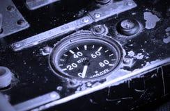 Διαφορετικοί μετρητές και επιδείξεις σε ένα παλαιό αεροπλάνο Στοκ φωτογραφία με δικαίωμα ελεύθερης χρήσης