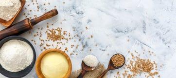 Διαφορετικοί τύποι αλευριών σίτου και σιταριών σίτου στοκ φωτογραφίες