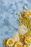 Διαφορετικοί τύποι ζυμαρικών από το σκληρό σιτάρι στοκ εικόνες με δικαίωμα ελεύθερης χρήσης