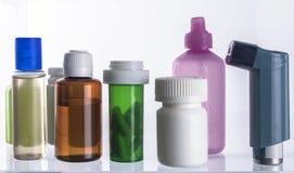 Διαφορετικοί τύποι καλλυντικών συσκευασιών και φαρμάκων στοκ φωτογραφία με δικαίωμα ελεύθερης χρήσης