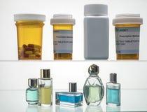 Διαφορετικοί τύποι καλλυντικών συσκευασιών και φαρμάκων στοκ εικόνες