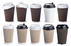 Διαφορετικό φλυτζάνι καφέ εγγράφου που απομονώνεται στο άσπρο υπόβαθρο Χλεύη επάνω Στοκ Φωτογραφία