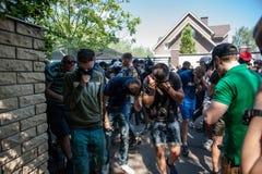 Διαφωνίες μεταξύ Azov του αστικού σώματος με την αστυνομία Στοκ Φωτογραφία