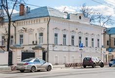 Διαχείριση του 2$ου τάγματος του συντάγματος των τροχαίων, οδός του Αλεξάνδρου Solzhenitsyn Το πρώην μέγαρο πόλεων Zimins είναι Στοκ Εικόνα