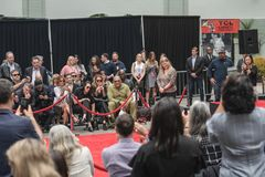 Διαχειριστές του Keanu Handprints και ίχνη δράστη που τσιμεντάρονται στη λεωφόρο Hollywood στοκ φωτογραφία με δικαίωμα ελεύθερης χρήσης