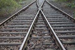 Διαχωρισμός σιδηροδρόμου - σιδηροδρομικές γραμμές που χωρίζονται Στοκ Εικόνες