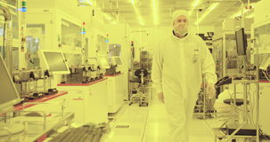 Διαδικασία παραγωγής γκοφρετών πυριτίου σε ένα καθαρό δωμάτιο απόθεμα βίντεο