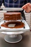 Διαδικασία τα κέικ στοκ φωτογραφία