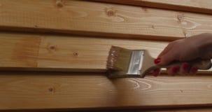 Διαδικασία τον ξύλινο τοίχο απόθεμα βίντεο