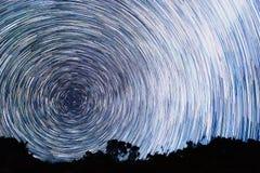 Διαδρομές από τα αστέρια υπό μορφή γραμμών Στοκ φωτογραφία με δικαίωμα ελεύθερης χρήσης