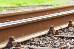 Διαδρομές σιδηροδρόμου, ράγες, σιδηρόδρομος, καρέκλα στοκ φωτογραφίες