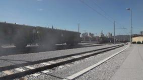 Διαδρομές σιδηροδρόμων Stil με τη απόκοσμη υδρονέφωση προστιθέμενη απόθεμα βίντεο
