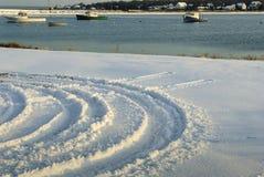 Διαδρομές στο νέο χιόνι Στοκ φωτογραφία με δικαίωμα ελεύθερης χρήσης