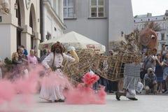 Διεθνές φεστιβάλ των θεάτρων ULICA οδών σε Cracow_Opening Στοκ Εικόνα