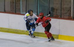 Διεθνής αντιστοιχία πρωταθλήματος χόκεϊ IHL μεταξύ HC Vojvoidna Νόβι Σαντ και HC Triglav Kranj Στοκ Φωτογραφία