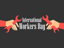 Διεθνής ημέρα εργαζομένων Εργασία ημέρα 1$ος του Μαΐου Το χέρι κρατά ένα γαλλικό κλειδί διάνυσμα Στοκ φωτογραφία με δικαίωμα ελεύθερης χρήσης
