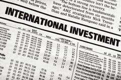 Διεθνής πίνακας επένδυσης στην εφημερίδα Στοκ Εικόνες