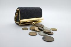 Διεθνή νομίσματα και μαύρο πορτοφόλι, τσέπη Στοκ Εικόνα