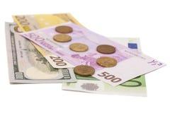 Διεθνή νομίσματα και ρούβλι νομισμάτων Στοκ Φωτογραφία
