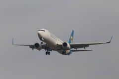 Διεθνείς αερογραμμές Boeing της Ουκρανίας 737-800 αεροσκάφη Στοκ Φωτογραφίες