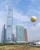 Διεθνείς κεντρικοί πύργος και μπαλόνι εμπορίου στο Χονγκ Κονγκ Στοκ φωτογραφίες με δικαίωμα ελεύθερης χρήσης