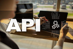 Διεπαφή προγραμματισμού εφαρμογής API Έννοια ανάπτυξης λογισμικού Στοκ εικόνες με δικαίωμα ελεύθερης χρήσης