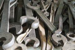 Διευθετήσιμα κλειδιά και κλειδιά ανοικτών τελών στοκ φωτογραφία