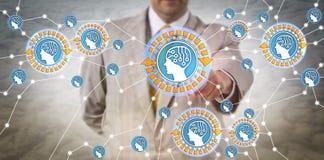 Διευθυντής που συνδέει τους ευφυείς πράκτορες μέσω IoT Στοκ Εικόνες