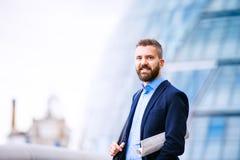 Διευθυντής Hipster στο μπλε πουκάμισο, Λονδίνο Δημαρχείο Στοκ εικόνες με δικαίωμα ελεύθερης χρήσης