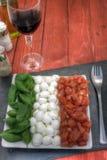 Δικαίωμα σαλάτας Caprese επάνω Στοκ Εικόνες