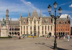 Δικαστήριο επαρχιών Τετράγωνο αγοράς Μπρυζ Βέλγων στοκ εικόνες με δικαίωμα ελεύθερης χρήσης