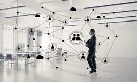 Δικτύωση και κοινωνική έννοια επικοινωνίας ως αποτελεσματικό σημείο φ Στοκ Εικόνες