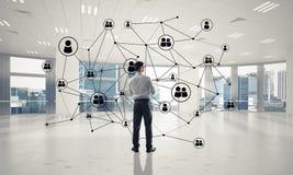 Δικτύωση και κοινωνική έννοια επικοινωνίας ως αποτελεσματικό σημείο φ Στοκ εικόνες με δικαίωμα ελεύθερης χρήσης
