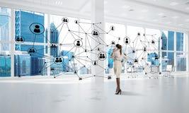 Δικτύωση και κοινωνική έννοια επικοινωνίας ως αποτελεσματικό σημείο για τη σύγχρονη επιχείρηση Στοκ Φωτογραφία