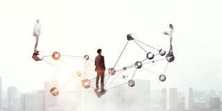 Δικτύωση και συνδετικότητα στην επιχείρηση Μικτά μέσα στοκ φωτογραφία με δικαίωμα ελεύθερης χρήσης
