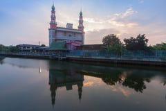 ΔΙΟΣΚΟΡΕΑ Ι TUN MUSLIMIN SURAO DAENG YA μουσουλμανικό τέμενος στη Μπανγκόκ, Ταϊλάνδη στοκ φωτογραφία