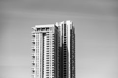 ΔΙΟΣΚΟΡΕΑ ΡΟΠΑΛΩΝ, ΙΣΡΑΗΛ 3 ΜΑΡΤΊΟΥ 2018: Υψηλά κατοικημένα κτήρια στη διοσκορέα ροπάλων, Ισραήλ Στοκ Εικόνες