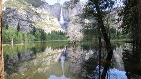 Διπλές πτώσεις Yosemite απόθεμα βίντεο