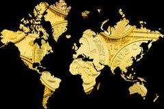 Διπλή έκθεση με τον παγκόσμιο χάρτη και τα χρυσά νομίσματα ως υπόβαθρο Στοκ Εικόνα