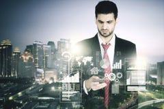Διπλή έκθεση του επιχειρηματία και του ουρανοξύστη Στοκ Εικόνα
