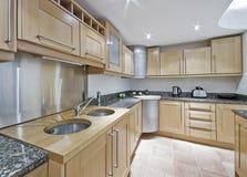 διπλή καταβόθρα κουζινών Στοκ εικόνα με δικαίωμα ελεύθερης χρήσης